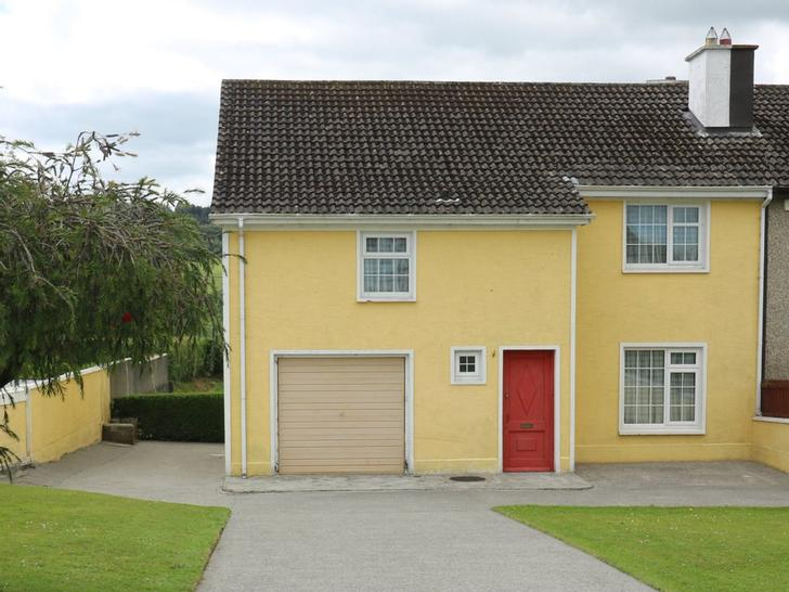 30 Dunbane, Carrick-On-Suir, County Tipperary