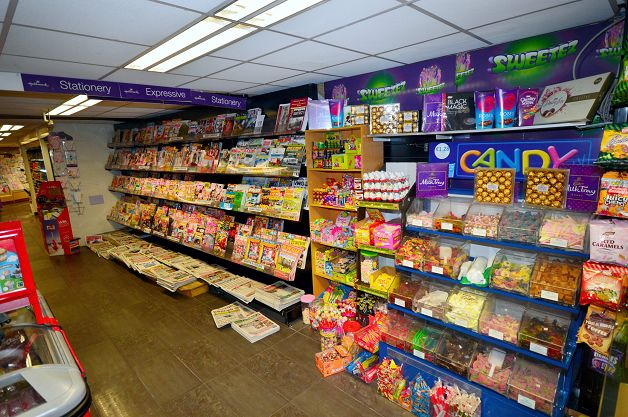 Pick n Mix Display and Magazines/Newspapers