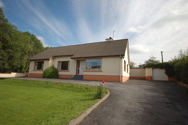 Glenfin Road, Ballybofey, Co. Donegal, F93 HE2V