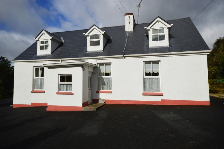 Stone Cottage, Mill Road, Glenties, Co. Donegal F94 R8D3