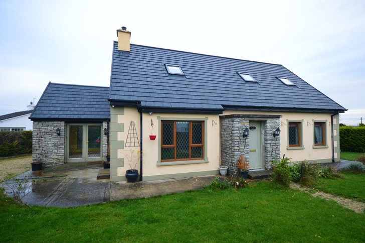 'Rose Cottage', Magherapaste, Stranorlar, Co. Donegal, F93 VX0D