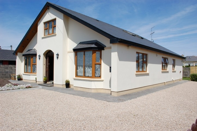 Dolphin Lodge, Spraymount Road, Ballybunion, Co. Kerry