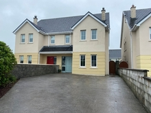 16 Cois Baile, Ballygologue Road, Listowel, Co. Kerry