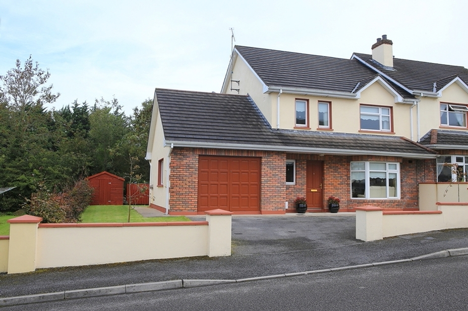 No.9 Rosog, Willowfield Road, Ballinamore, Co. Leitrim.