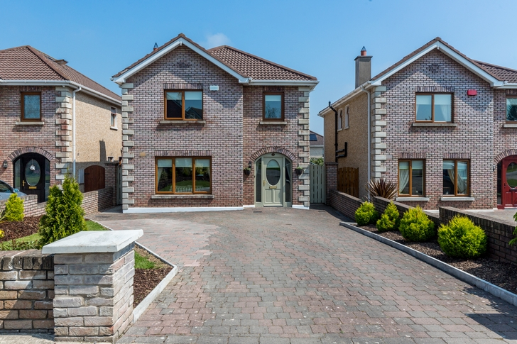 4 Sommerville Glebe, Kentstown. Co. Meath